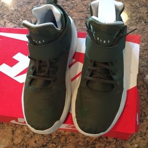 Nike Shoes - Nike Kwazi SE Men's sz 10 legion green/light bone
